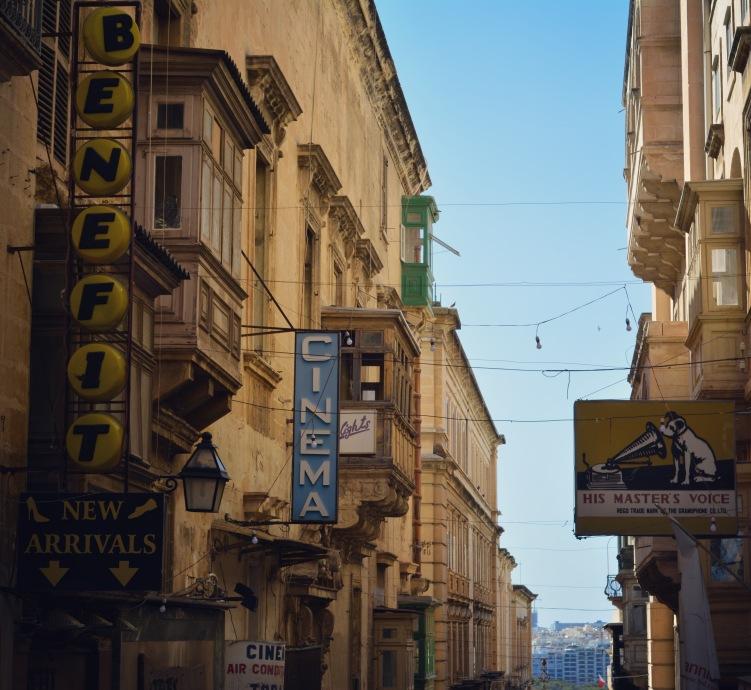 VallettastreetsignsJune2017-8