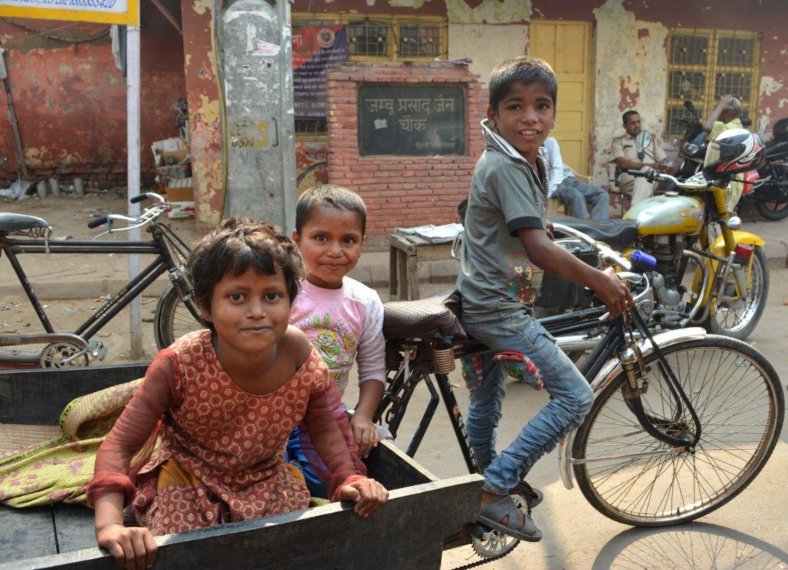 Delhi2017IndiaPeople5CROPsmall