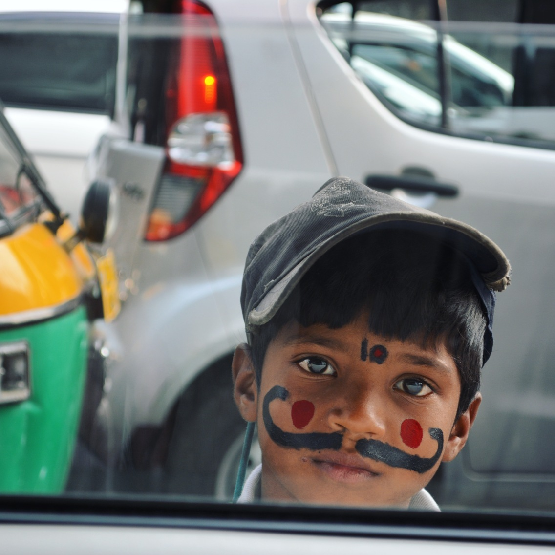 Delhi2017Indiastreetkid5CROPINSTA