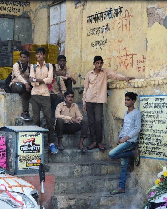 Jaipur2017IndiaAmerFortschoolboys1small