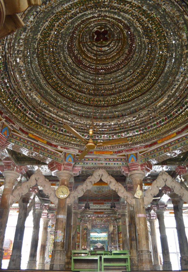 Udaipur2017IndiaJainTemple1small