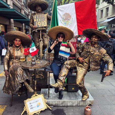 MexicoCityDec2018CentroHistoricaLezaLiveStatues
