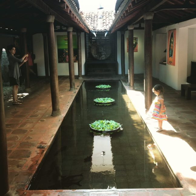 SriLankaColomboParadiseCafeDec2014-38