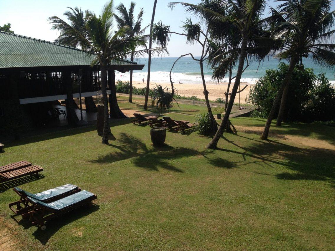 SriLankaKoggalaBeachDec2014-1